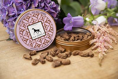 lila loves it shampoo oorreiniger oor druppels oordruppels hondenshampoo zeep hondenzeep ervaring review recensie borstel langhaar korthaar geschikt snacks snackdoosje snacktasje eend natuurlijk duck