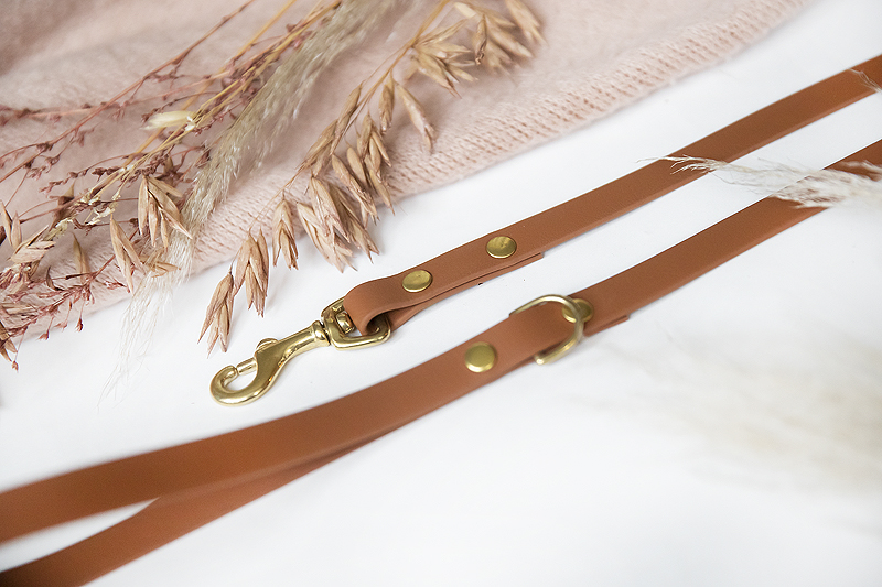 biothane hondenlijn hondenriem halsband zelf maken vegan leer vegan leather diy do it yourself tutorial hoe maak je nodig benodigdheden gereedschap spindelpers gaatjestang